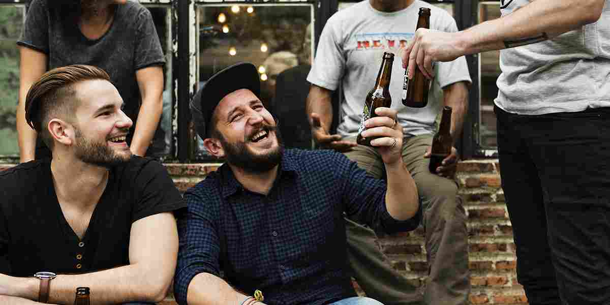 http://kitchenandbeerbar.com/wp-content/uploads/2017/05/hero_home_beer_02-story-01.jpg