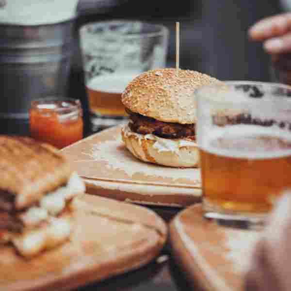http://kitchenandbeerbar.com/wp-content/uploads/2017/05/inner_cell_burger_2.jpg